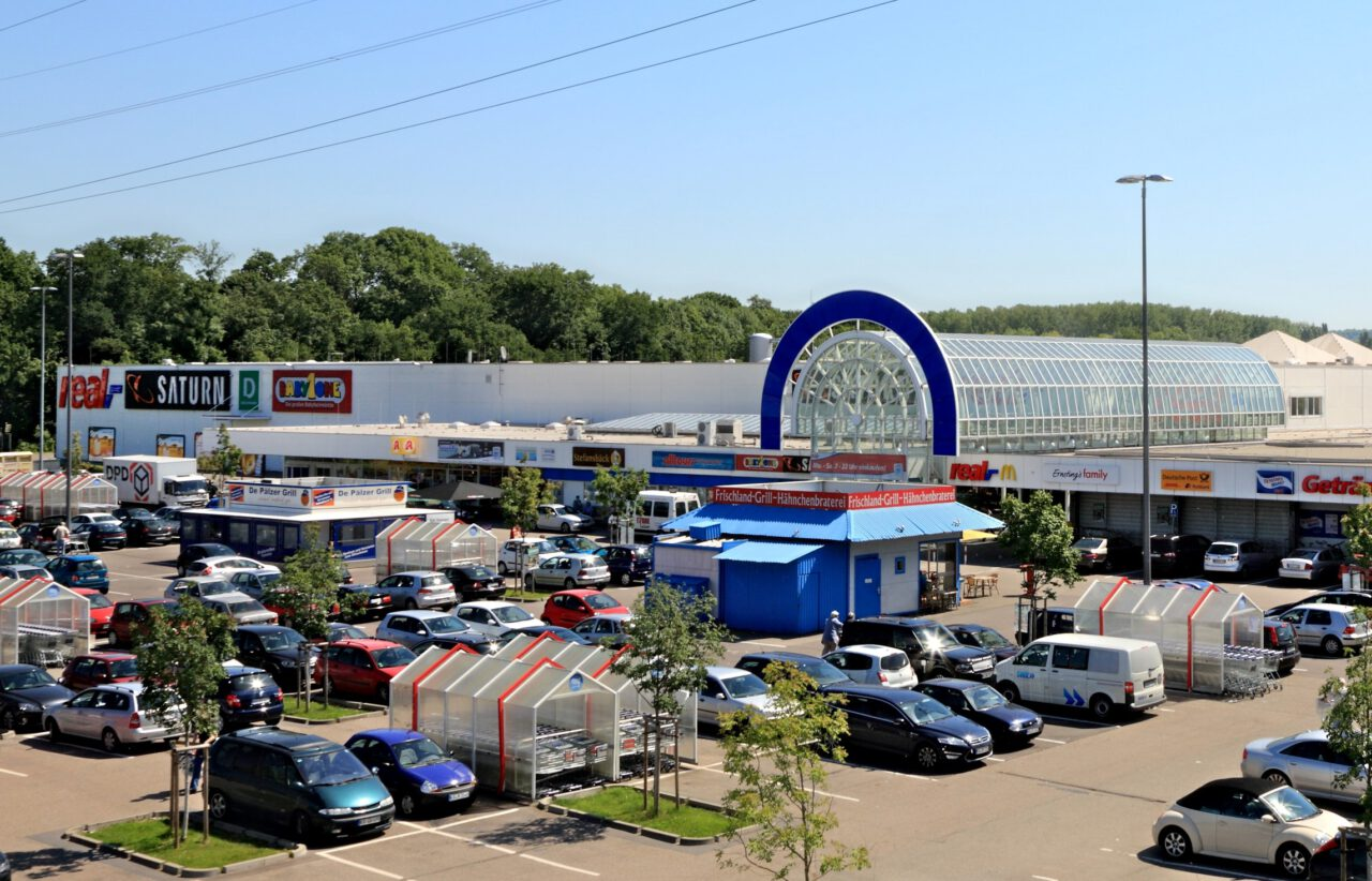 """redos acquires """"Olymp"""" portfolio with eleven retail parks and hybrid centres from TH Real Estate for Union Investment special fund"""