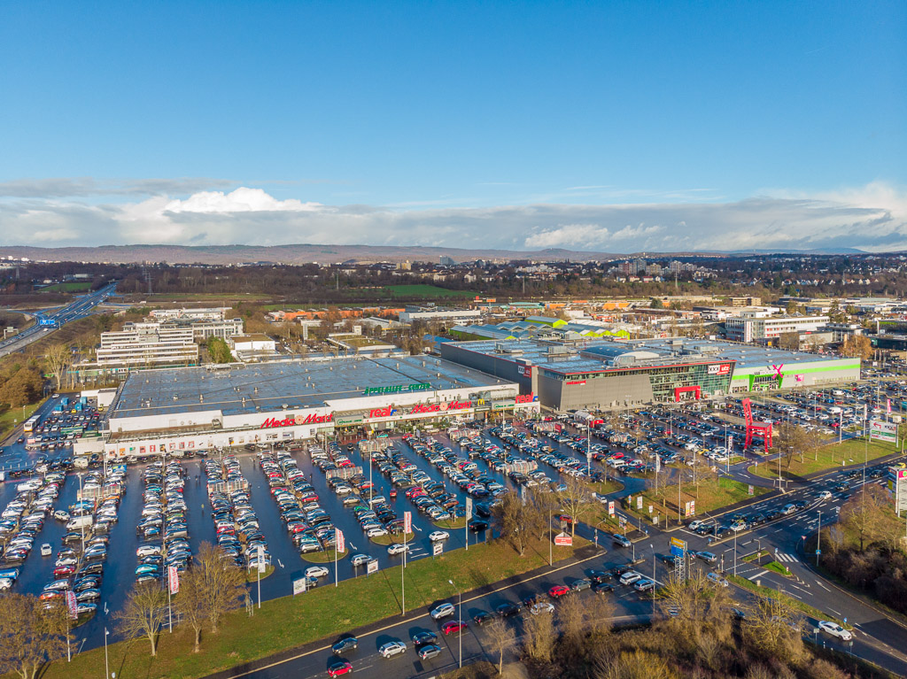 redos buys Äppelallee-Center retail warehouse in Wiesbaden